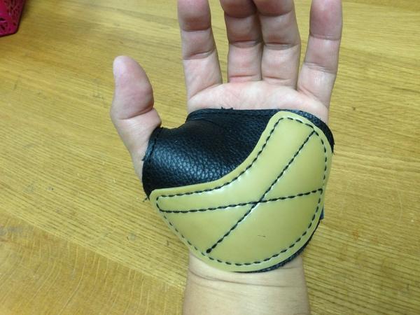 北川さん手袋7.JPG