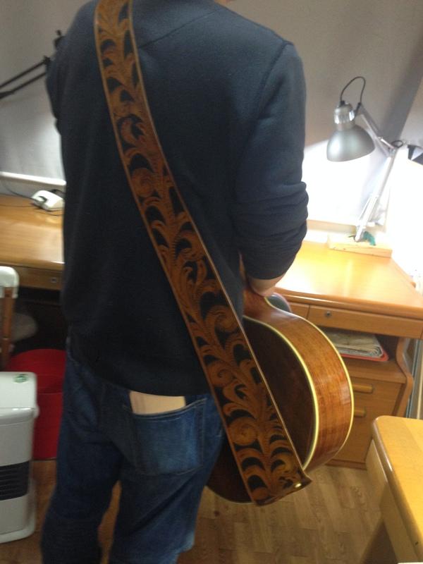 和田さんギターストラップ2.JPG