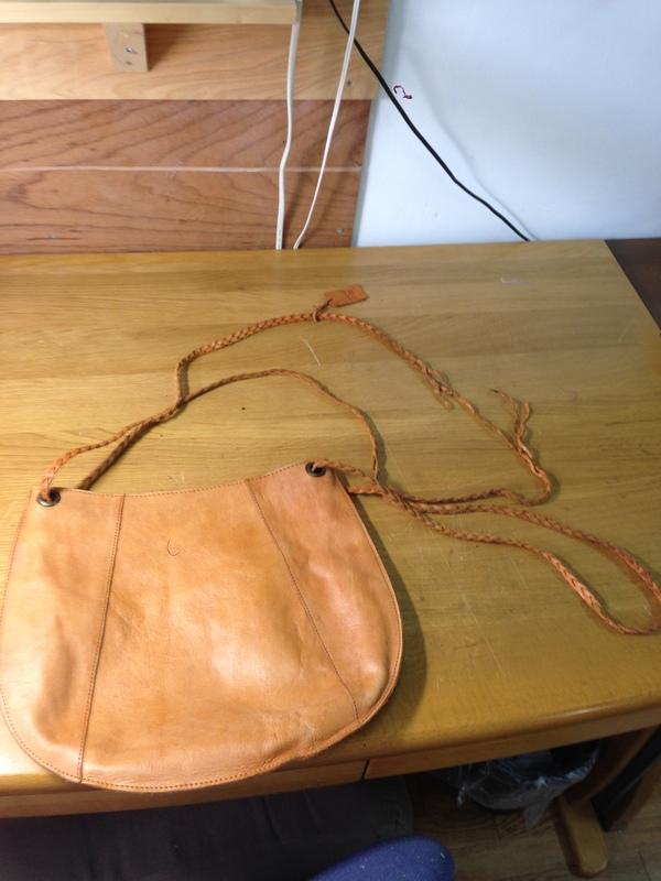 青木さん鞄修理前3.JPG